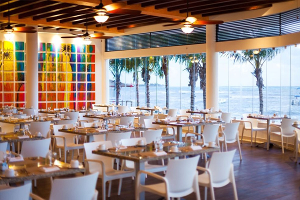 Restaurant - The Reef Coco Beach Resort - All Inclusive